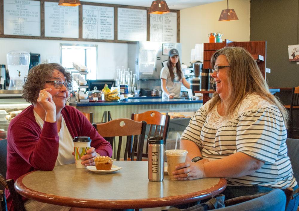 dining-ladies-coffee-shop