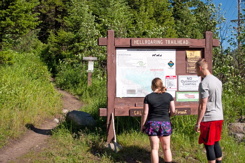 hiking-trailhead-looking-at-map